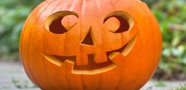 iStock-10761186_halloween-pumpkin-in-garden_s4x3.jpg.rend.hgtvcom.1280.960